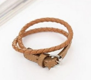 D19 Leather Bangle
