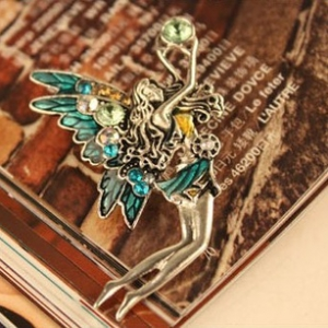 F19 Crystal Angel Wings Diamond brooch