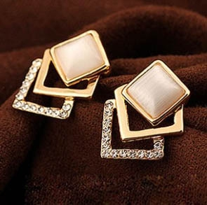 M55 Trendy stylish earrings