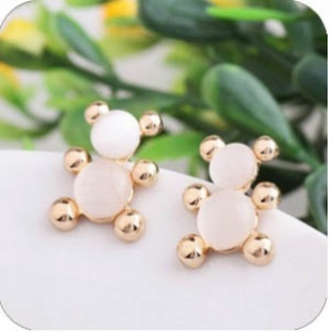 B906 Assorted design stylish earrings
