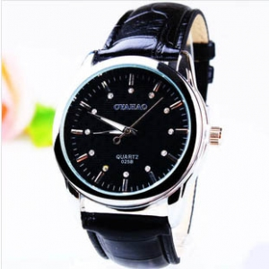 164257 Trendy leather watch