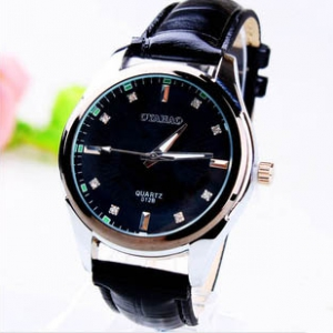 164287 Trendy leather watch