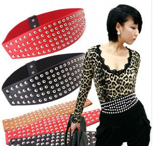 Thick waist belt with studs