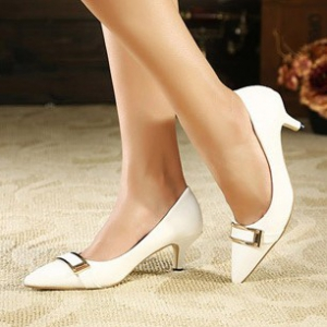 Pointed white heels with square buckle