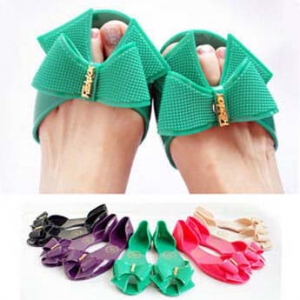 Colorful jelly shoes with bow