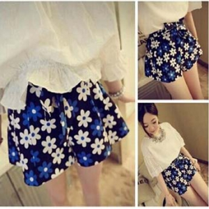 Floral loose shorts