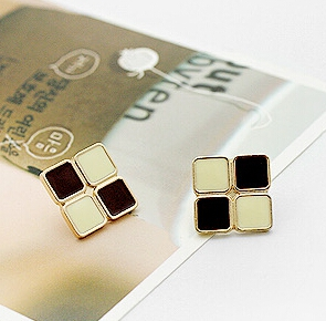 H38  Stylish Earrings