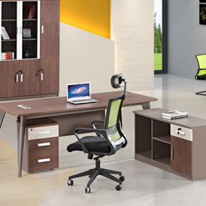 Preorder-Desk and chair combination